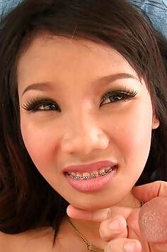 Thai teen Pheung gets a sticky semen facial