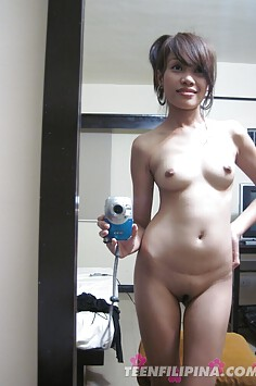 Lonely filipina girl friend emailed  her BF these nude pics