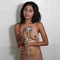 Teen filipina amateur girls soaps up young body - image